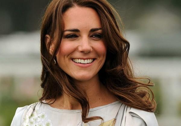 Tajomstvo pohodlnej chôdze Kate Middleton: Vďaka týmto trikom vydrží celý deň v ihličkových podpätkoch