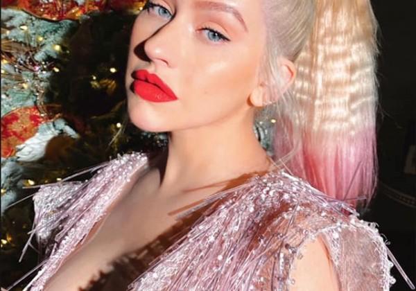 Postavu už nerieši! 40-ročná Aguilera sa opäť vyzliekla