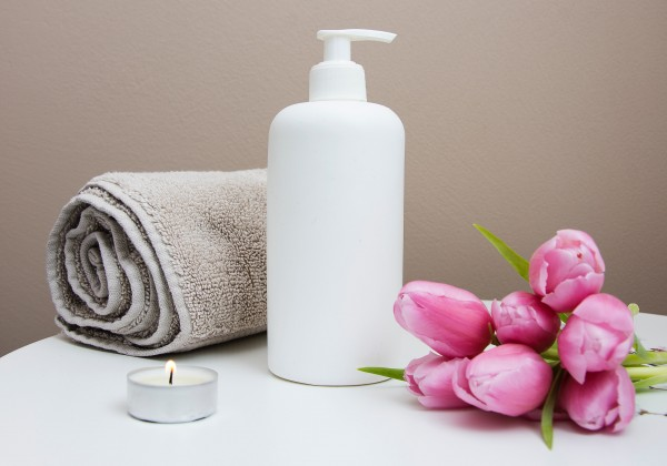 Tipy na prírodné produkty, ktoré vám zaručia spokojnosť so svojou pleťou a riasami!