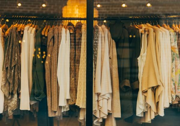Aj po rokoch bude ako nové! 5 tipov, ako správne skladovať oblečenie