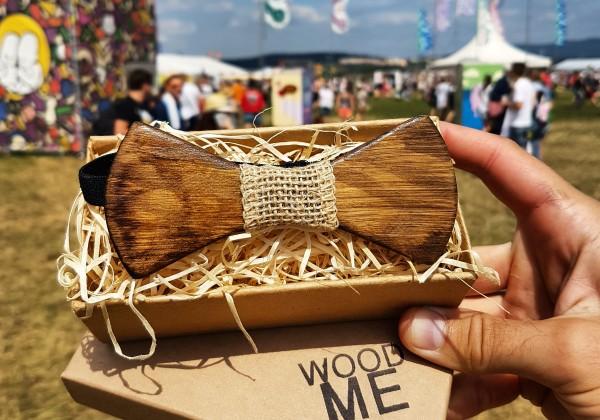 Buďte trendy s dreveným motýlikom od WOODME!